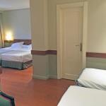 Habitación con camas supletorias