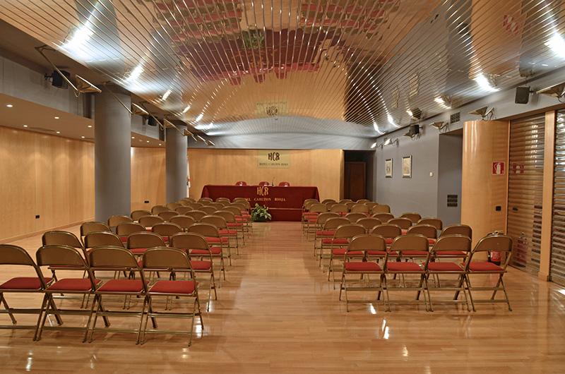 Salón con capacidad de hasta 150 personas