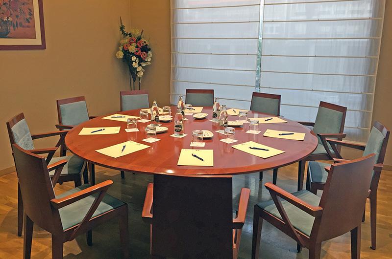 Mesa reunión para 10 personas