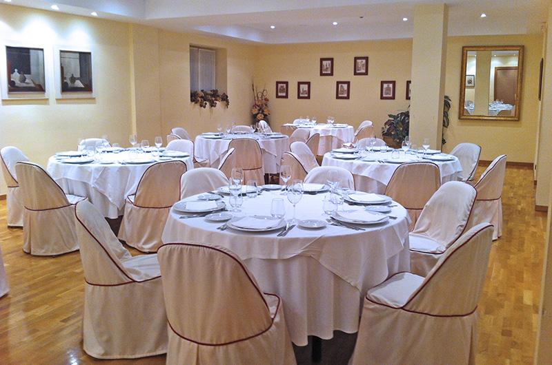 Salón con capacidad de hasta 75 personas
